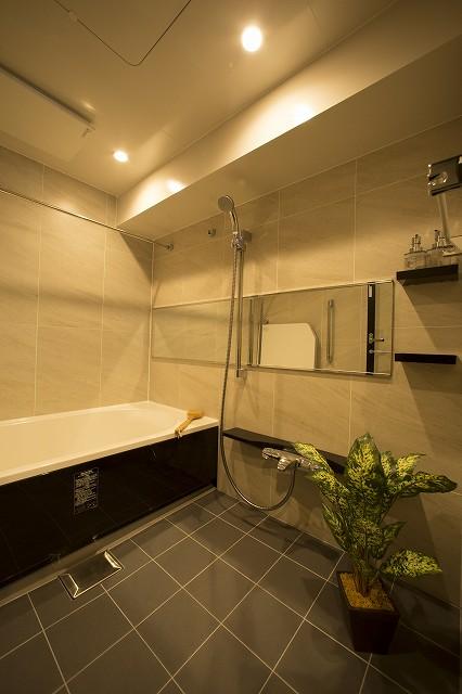 冷たくなりにくいサーモフロア・浴室乾燥機付