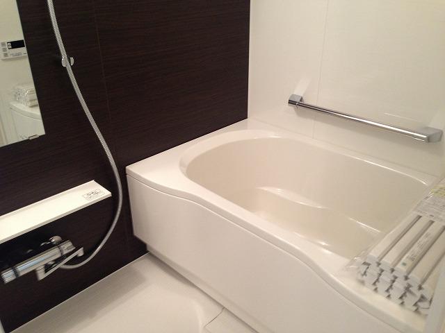 追い炊き機能付フルオートバス、浴室暖房換気乾燥機設置