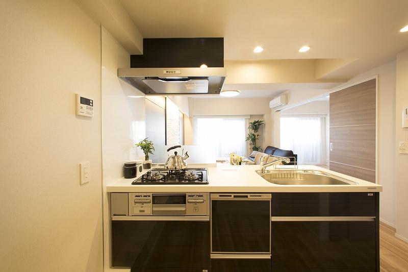 対面式システムキッチンがご家族の温かい時間を演出