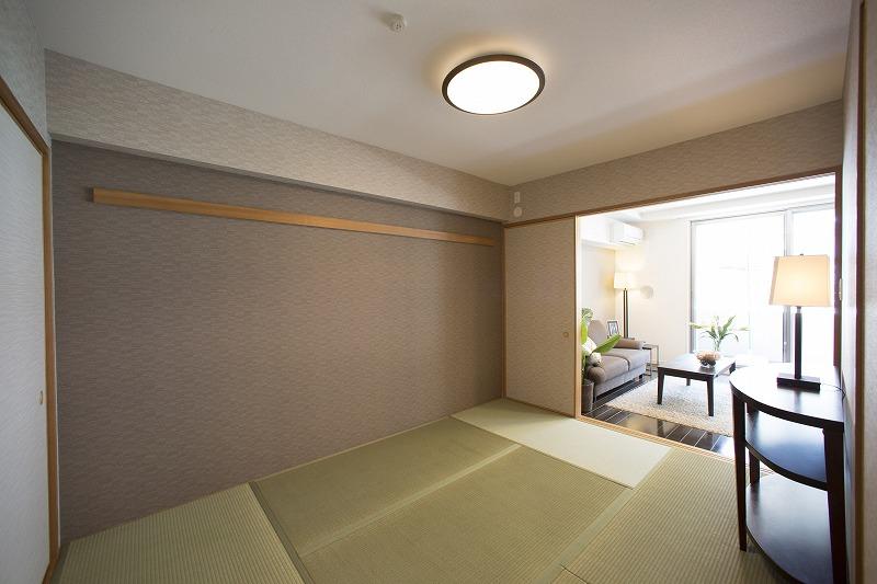和室はリビングとつながってあり、開放感があります。