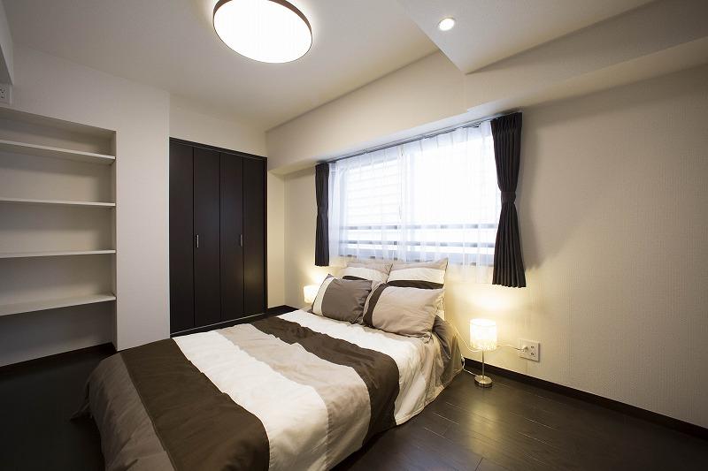 主寝室は、収納設備が充実しており、片付けも楽々!